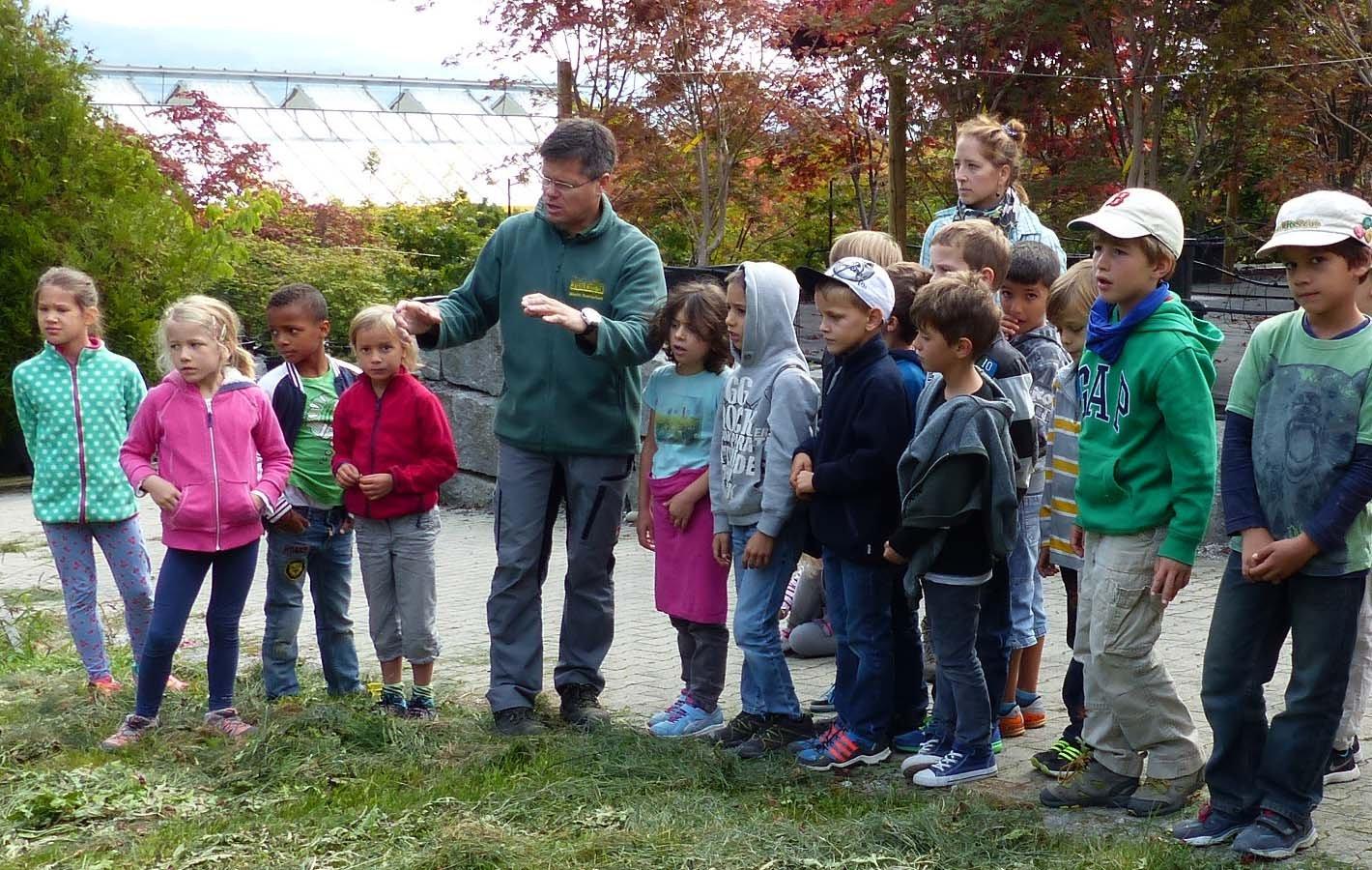 Schule in der Gärtnerei Kinder 2